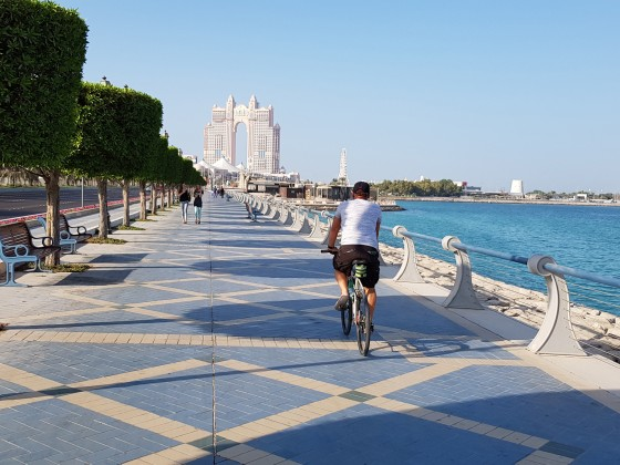 abu dhabi cycling corniche bike track breakwater