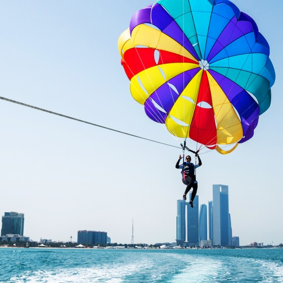 abu dhabi things to do parasail (1)