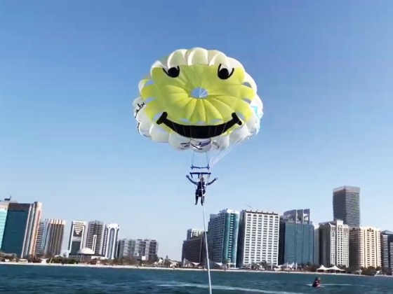 abu dhabi things to do parasail (5)