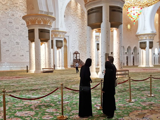 abu dhabi places to visit sheikh zayed mosque 1